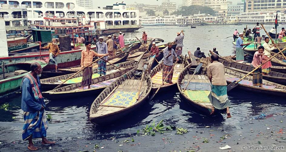 Bangladesz - zdjęcia. Transport rzeczny w Dhace