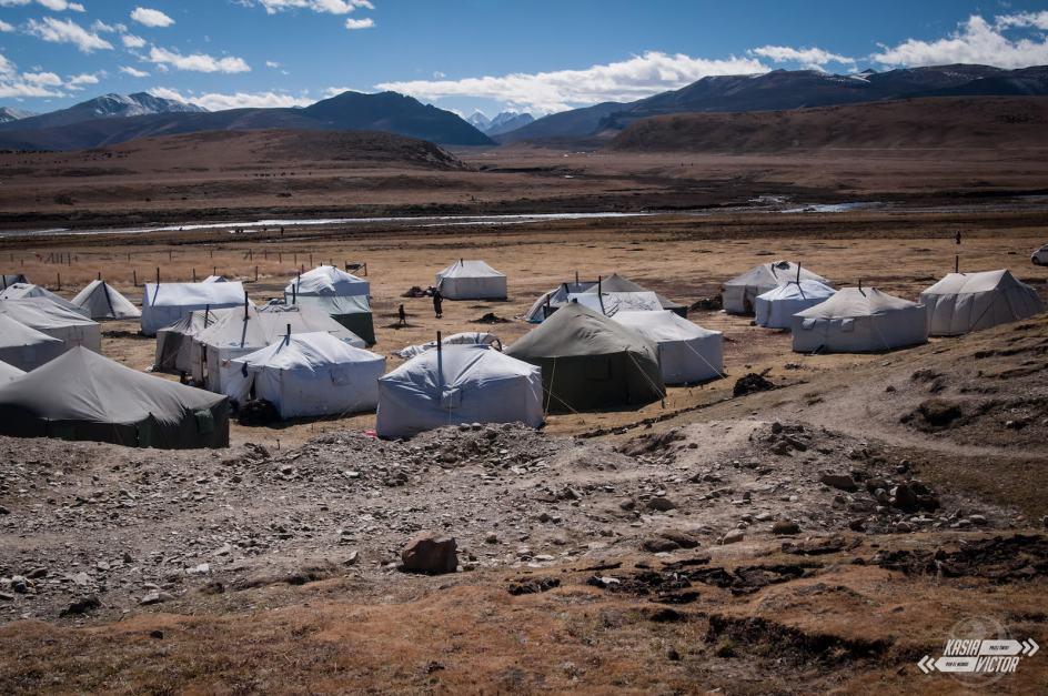 Chiny, Litang, jurty koczowników tybetańskich