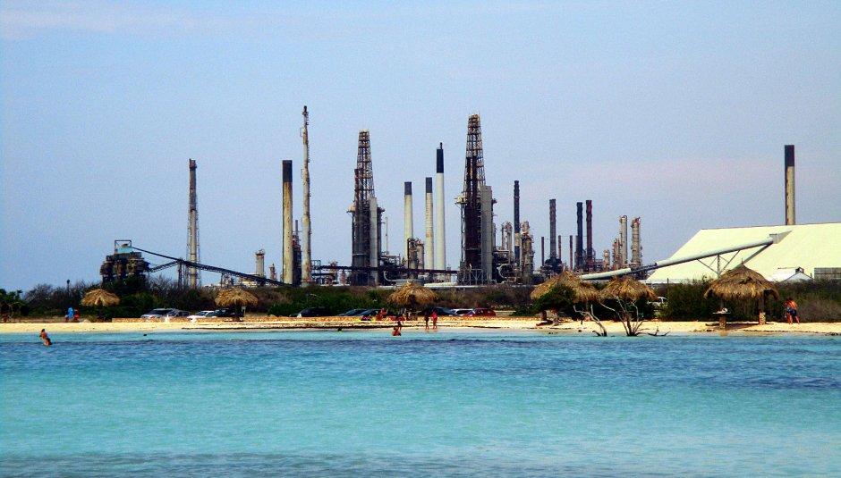 Aruba, Morze Karaibskie, rafineria na wyspie