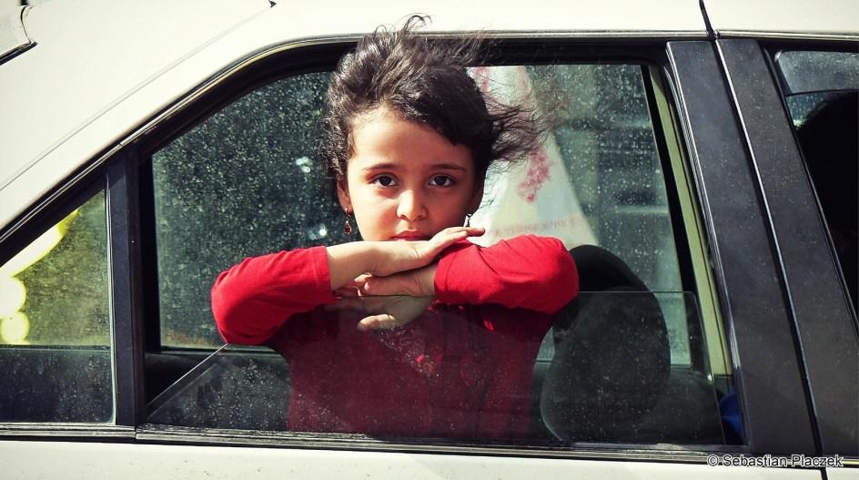 Iran, dzieci nie musza nosić hidżabów - zdjęcie z Sziraz