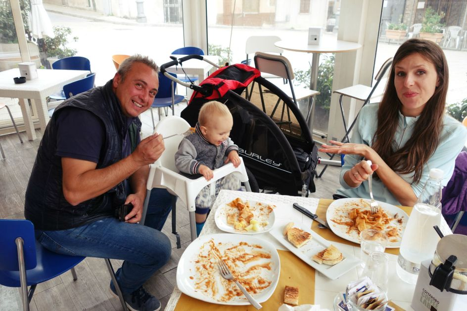 Sycylia, podróż z dzieckiem, jedzenie, spaghetti z dziczyzną