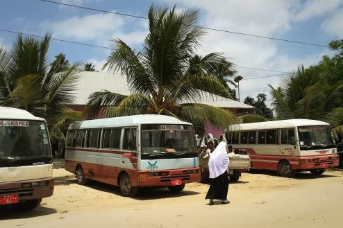 Zanzibar, Unguja, Bububu, przystanek busów dala-dala