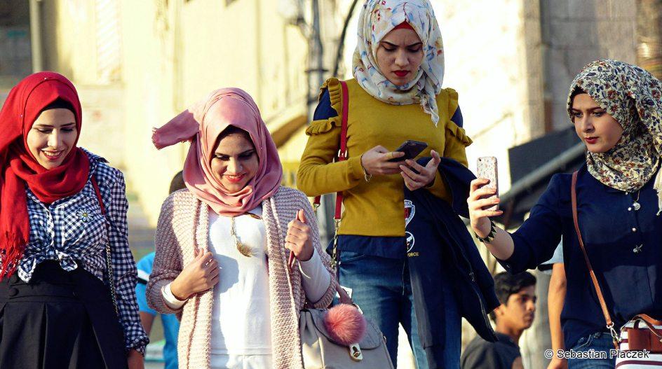 Jordania, dziewczyny z Ammanu, foto