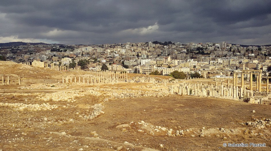 Jordania, Jarash, Dżarasz, panorama miasta, zdjęcia