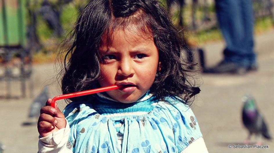 Boliwia, La Paz, dziecko w centrum miasta, zdjęcia z podróży