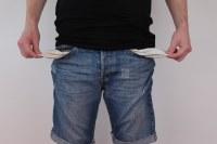 kesalahan dalam mengelola keuangan
