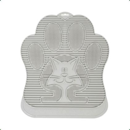 kattenbakmat passend bij zelfreinigende kattenbak van Omega Paw. Gemaakt van stevig rubber en is makkelijk schoon te maken met sop. Door het design van het oppervlak zorgt de mat er voor dat de pootjes schoon gelopen worden voordat de kat de (huis)kamer in loopt