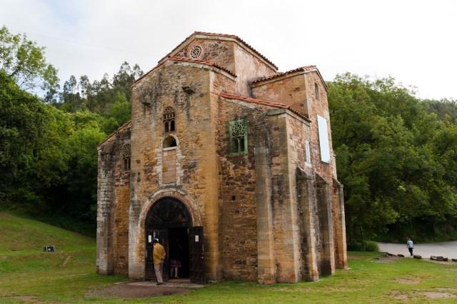Iglesia prerrománica de San Miguel de Lillo, en Oviedo, España