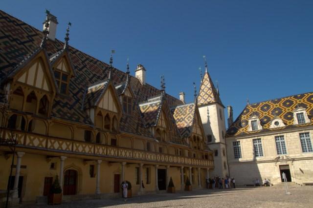 El Hôtel-Dieu del Hospicio de Beaune, joya de la arquitectura de la Borgoña