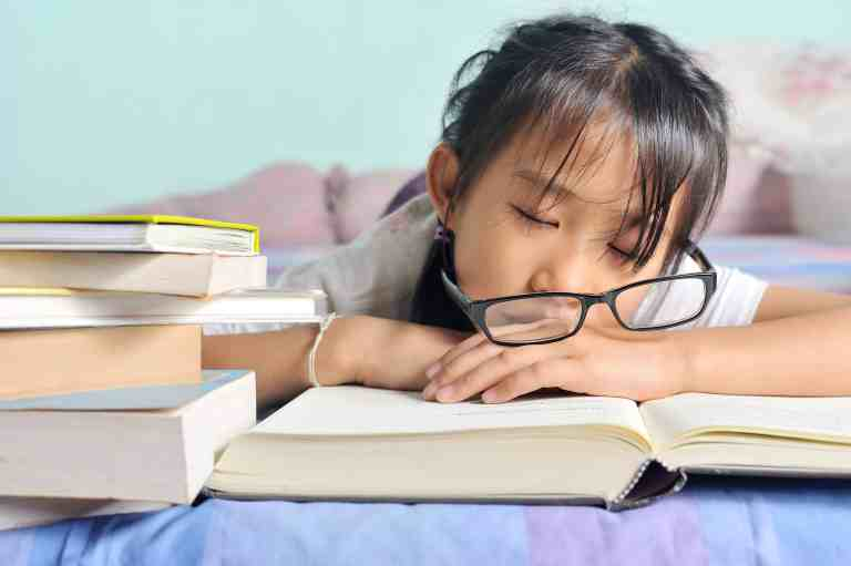 girl struggling with reading
