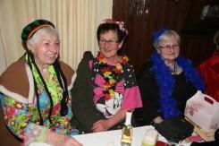 """Drei der Murstettner """"Golden Girls"""", Theresia Breitner, Antonia Kos und Steffi Kauper (von links) unterhielten sich prächtig"""