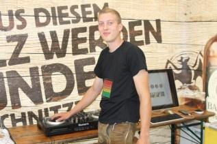 Thomas Rauschmayer sorgte für Musik und bot erlesene Weine aus der Langmannersdorfer Kellergasse an