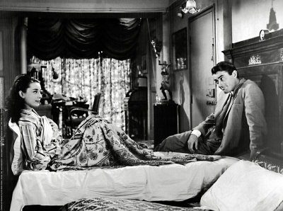 Itself I Find Audrey Hepburn The Original Manic Pixie Dream To Be Trying M Enamoured With Joe Bradley S Apartment In Roman Holiday 1953