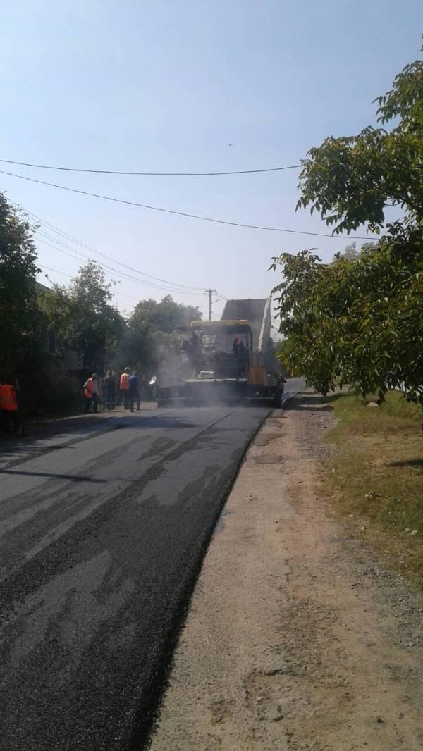 Триває капітальний ремонт дороги в селі Лоза на Іршавщині ...