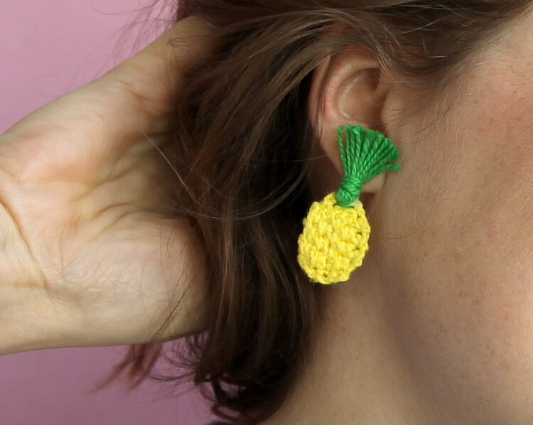 How to make Mini Crochet Pinapple Accessories - earrings or a lapel pin! Free crochet pattern