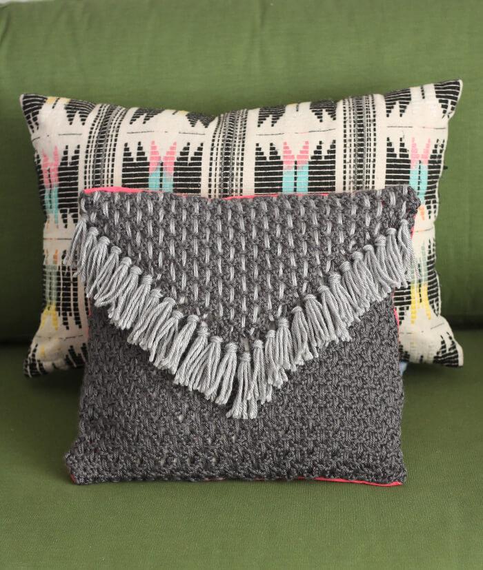 Woven Tassel Pillow - a free crochet pattern from www.persialou.com