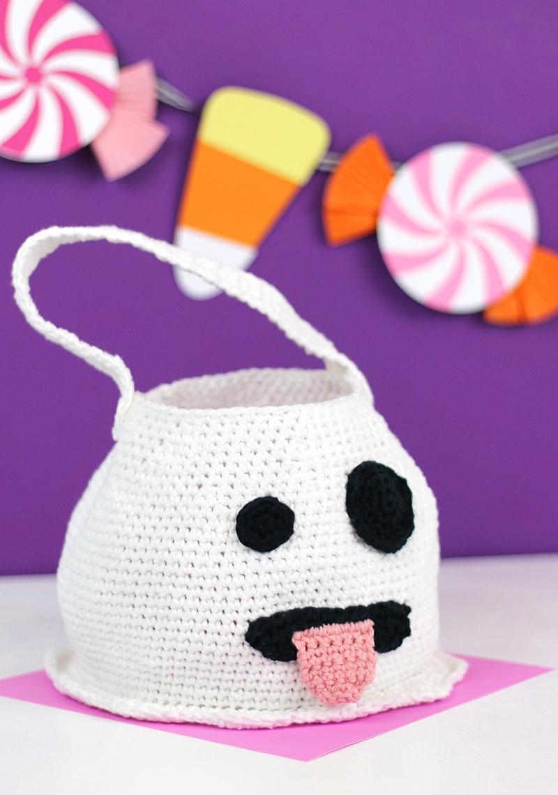 cute emoji ghost crochet bag free halloween crochet pattern