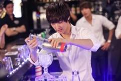 20120727_cnblue_bartender