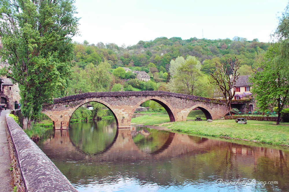 14th century bridge in French town Belcastel