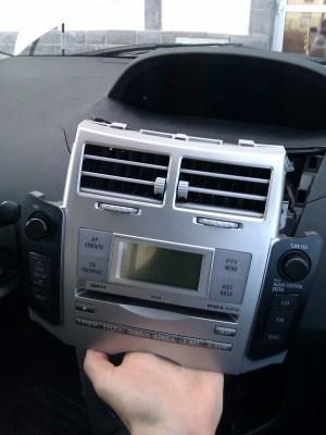 DIY  Add AUX input on Toyota Yaris W58824 head unit