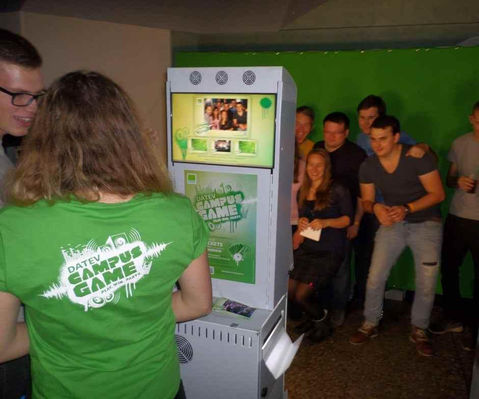 Spaß bei den Aufnahmen mit dem Fotobooth beim Campus Game