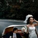 автомобіль з відритим верхом на весілля