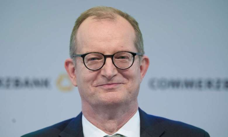 Photo of Bang! Commerzbank boss offers resignation