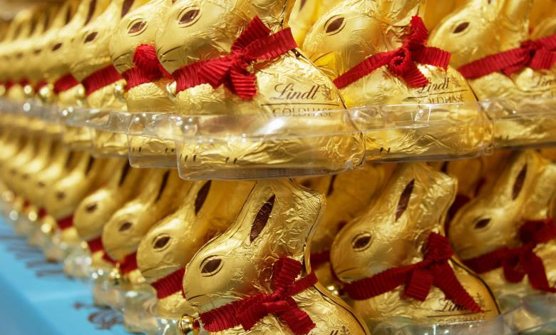 Photo of Lindt gold bunny not protected – but the dispute continues