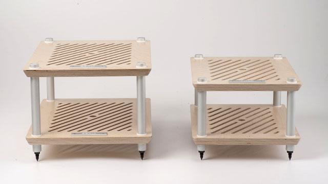 韓國Codia Acoustic Design是少有設有Half Size音響架的品牌。