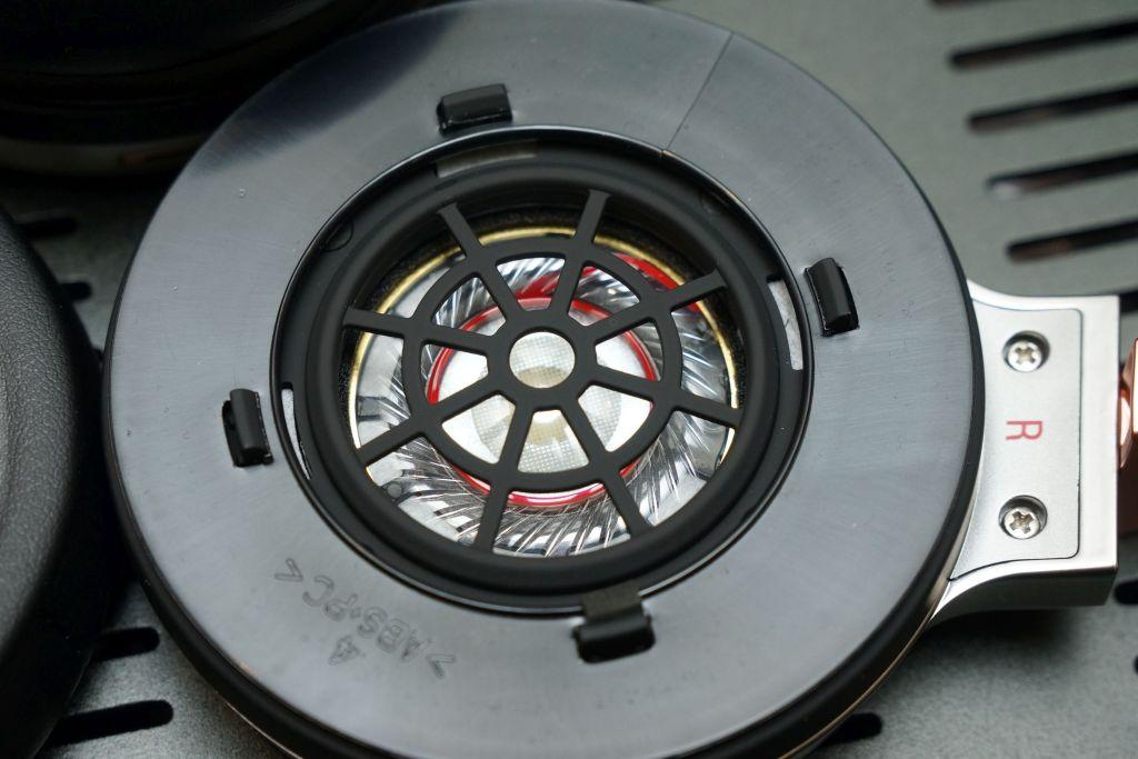 40mm動圈單元,音圈以鍍銅鋁線繞製。