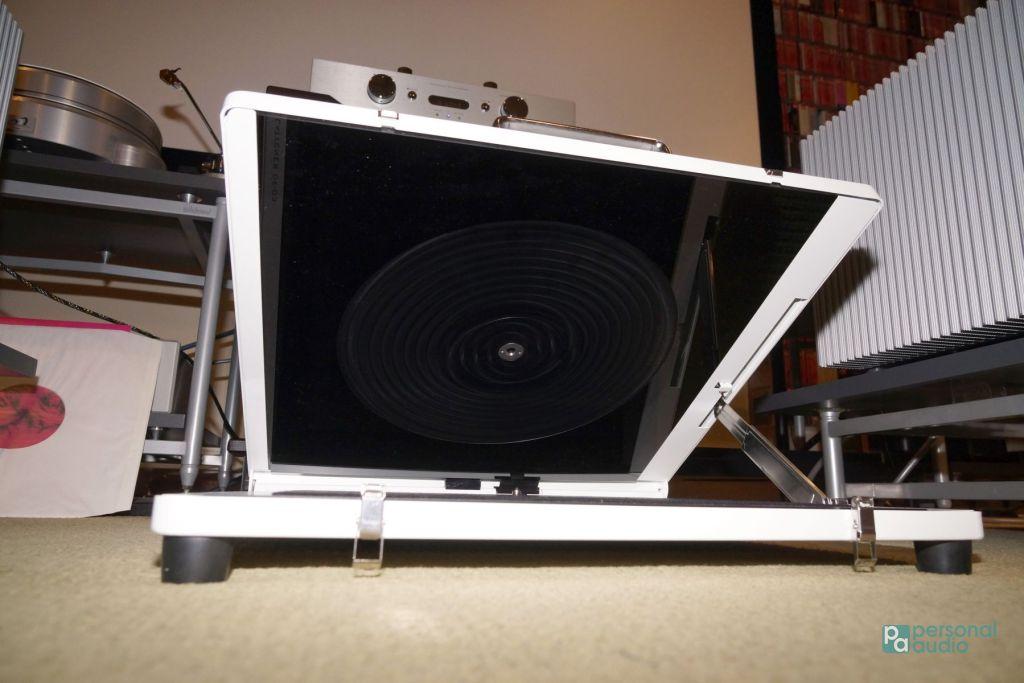 上、下各有一片大面積半發熱膜,能夠令熱力平址地施加在唱片表面