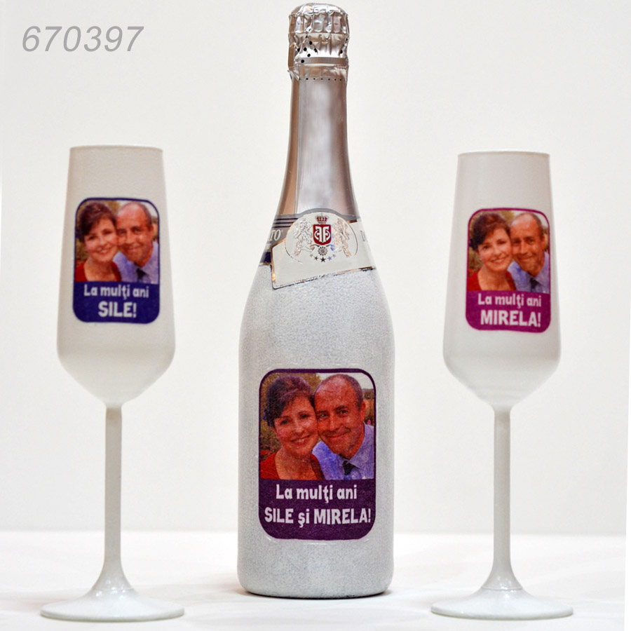 Cadouri Personalizate Sampanie cu Doua Pahare