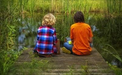 friends-children-sit-friendship-green-plant