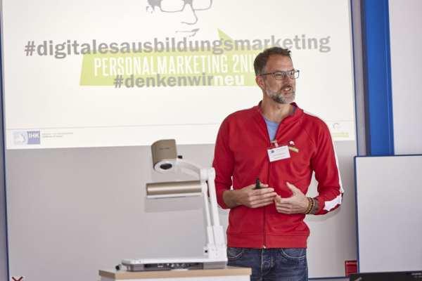 Henner Knabenreich beim Ausbildungskongress der IHK Heilbronn-Franken - Foto Piotr Banczerowski
