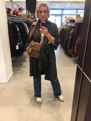 Рациональный шоппинг , функциональный и стильный гардероб с помощью профессионала по стилю.