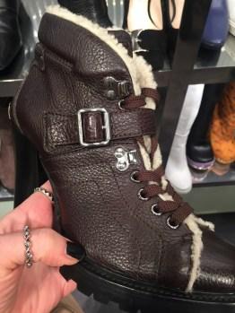 Супер предложения аутлета Прада, всего 100 евро и ботинки, в которых щеголяют все блоггеры-твои.