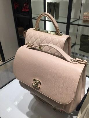 Chanel - классика, которая всегда актуальна, независимо от возраста и предпочитаемого стиля.