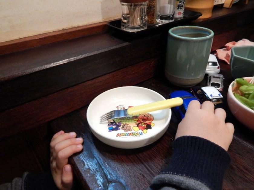 giappone con bambini: aspettando gli yakitori