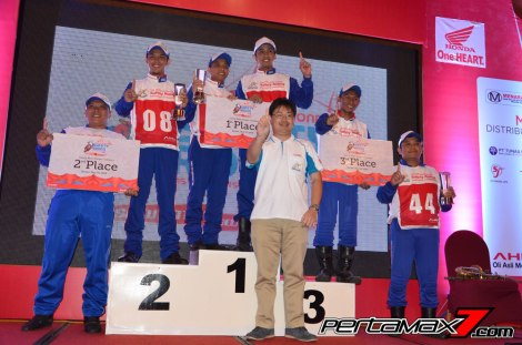 Juara Kategori Grup Main Dealer Astra Honda safety riding Instructors Competition 2016 pertamax7.com