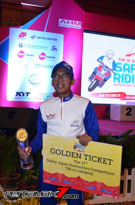 Om Jotos Muhamad Adi Suctipto Wahana Makmur Sejati Golden Tikcet The 17th Safety Japang Instructors competition 750 cc category pertamax7.com
