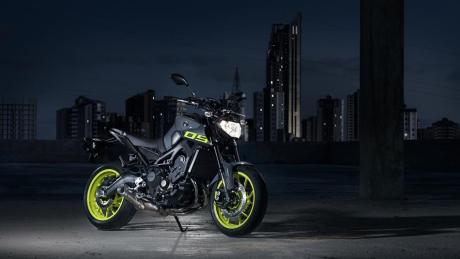 2016 Yamaha MT 09 EU Night Fluo Static 004
