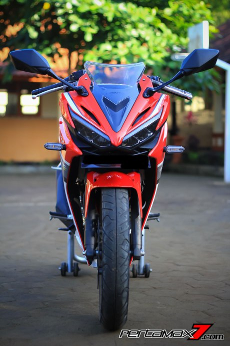 All New Honda CBR150R 2016 Warna Merah Racing Red 72 Pertamax7.com