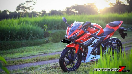 All New Honda CBR150R 2016 Warna Merah Racing Red 74 Pertamax7.com
