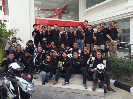 Peserta touring honda big bike dalam launching Dealer Big Wing Honda Astra Motor Denpasar pertamax7.com