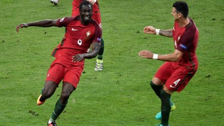 Portugal's forward Eder (L) celebrates after scoring a goal with Portugal's defender Fonte during the Euro 2016 final football match between Portugal and France at the Stade de France in Saint-Denis, north of Paris, on July 10, 2016. / AFP / PHILIPPE LOPEZ        (Photo credit should read PHILIPPE LOPEZ/AFP/Getty Images)