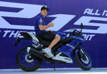 Maverick Vinales dengan All New R15 di Sentul International Circuit