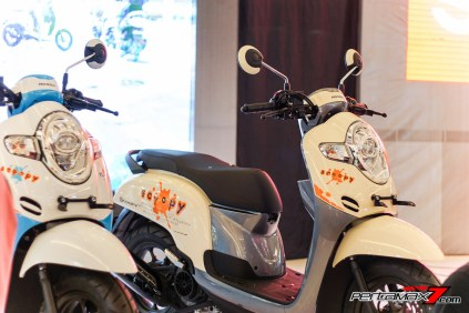 Honda Scoopy Velg 12 Inchi Versi 2017 indoor-7