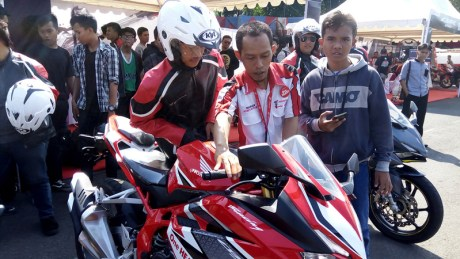 Honda CBR250RR Weekday Demoday Banyumas 2