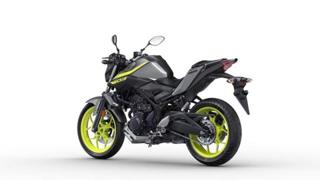 2018 Yamaha MT-03 Warna Night Fluo belakang kiri