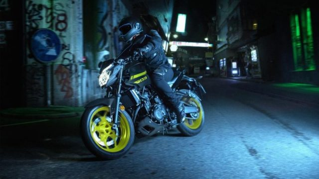 Testride Yamaha MT-03 Warna Hijau Stabilo Night Fluo MY 2018 UK 2